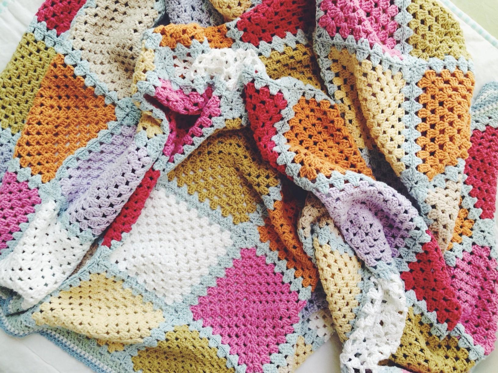 granny square crochet blanket - zakkaArt