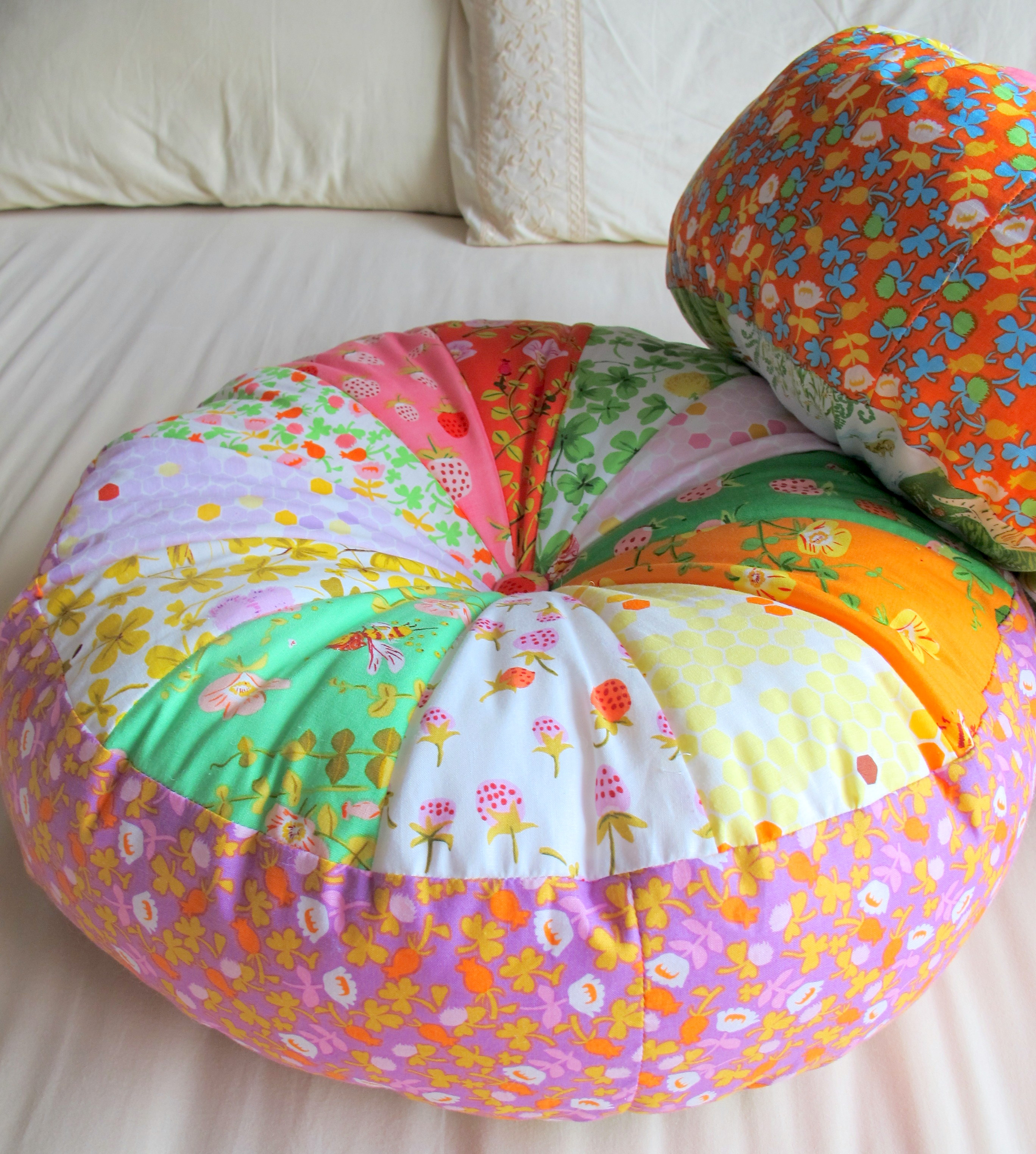 Sprocket Pillow Pattern Easy Craft Ideas